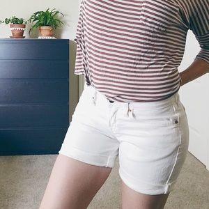 Lucky Brand white Laguna boyfriend shorts size 0.